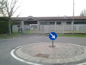 L'ingresso alla sezione calcio del centro sportivo aresino