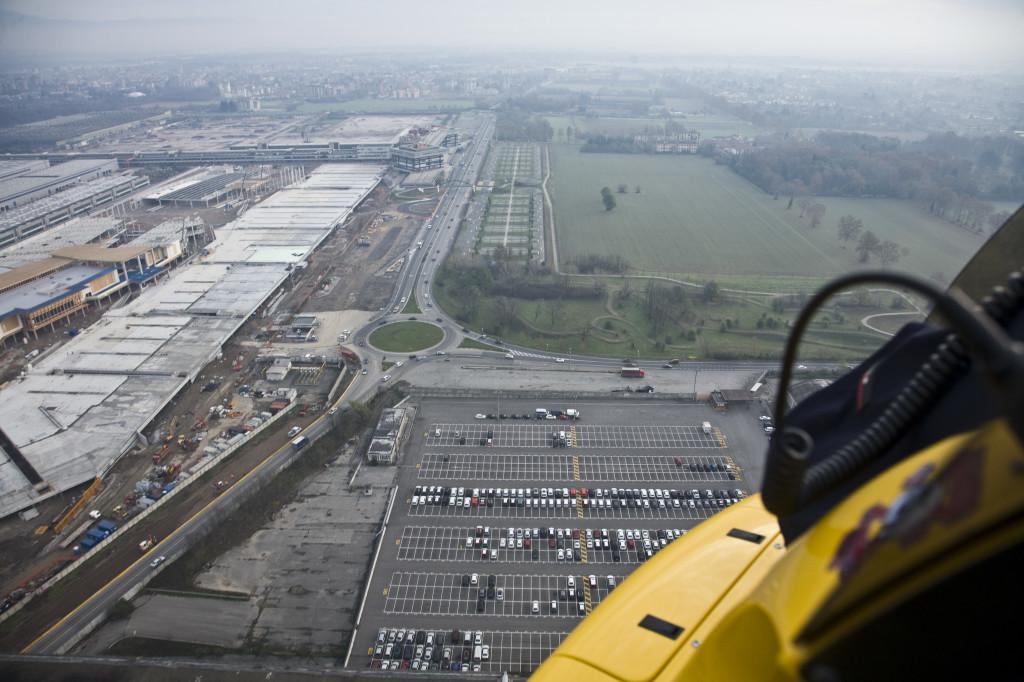 L'area dell'ex Alfa Romeo come si presenta oggi; sulla sinistra uno scorcio del nuovo centro commerciale