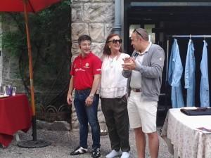 Magreglio - Casa di Nicola Romeo. Da destra a sinistra lo storico Fabio Morlacchi, la nipote de fondatore Daniela Maestri Romeo e Federico Squarcina del Club Alfa Italia
