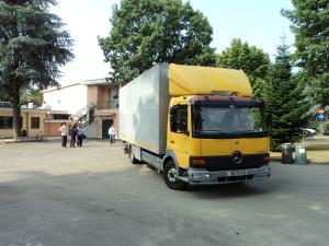 Il camion su cui furono caricate delle  attrezzature pignorate  al centro sportivo aresinjo